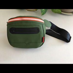 Price firm Hunter for Target  cross body bag